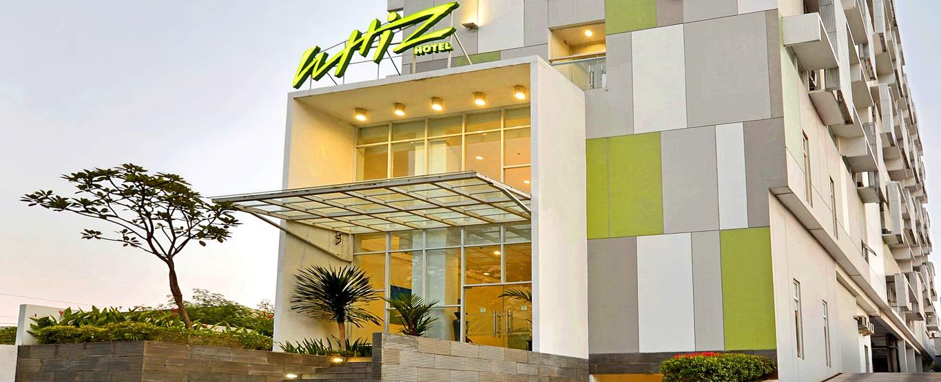 Facade Whiz Hotel Semarang